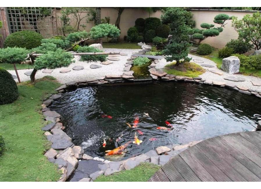 Пластиковый водоём, фонтан, пруд для дома и дачи